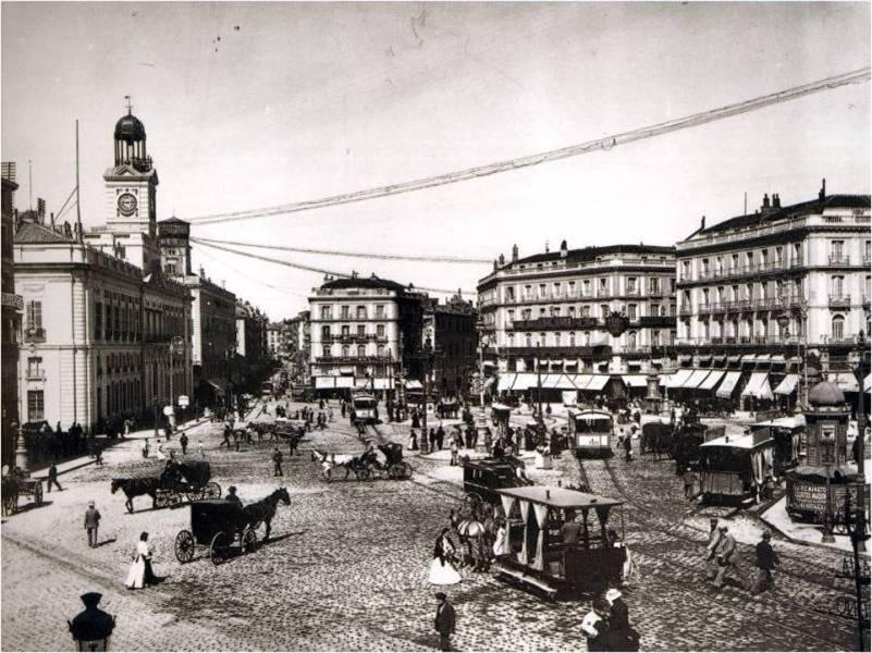 Tranvias en la Puerta del Sol