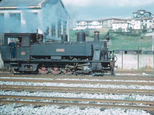 """Locomotora """"Adarzo"""" 141T, octubre 1957,"""