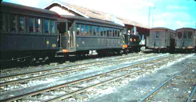 estacion de Oviedo, octubre de 1957,
