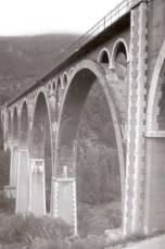 viaducto de las siete lunas, sobre el rio Polop, foto Francisco José Antón