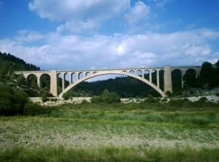 Viaducto entre Cardenete y Arginsuelas, agosto de 2008, foto : Ignacio Latorr