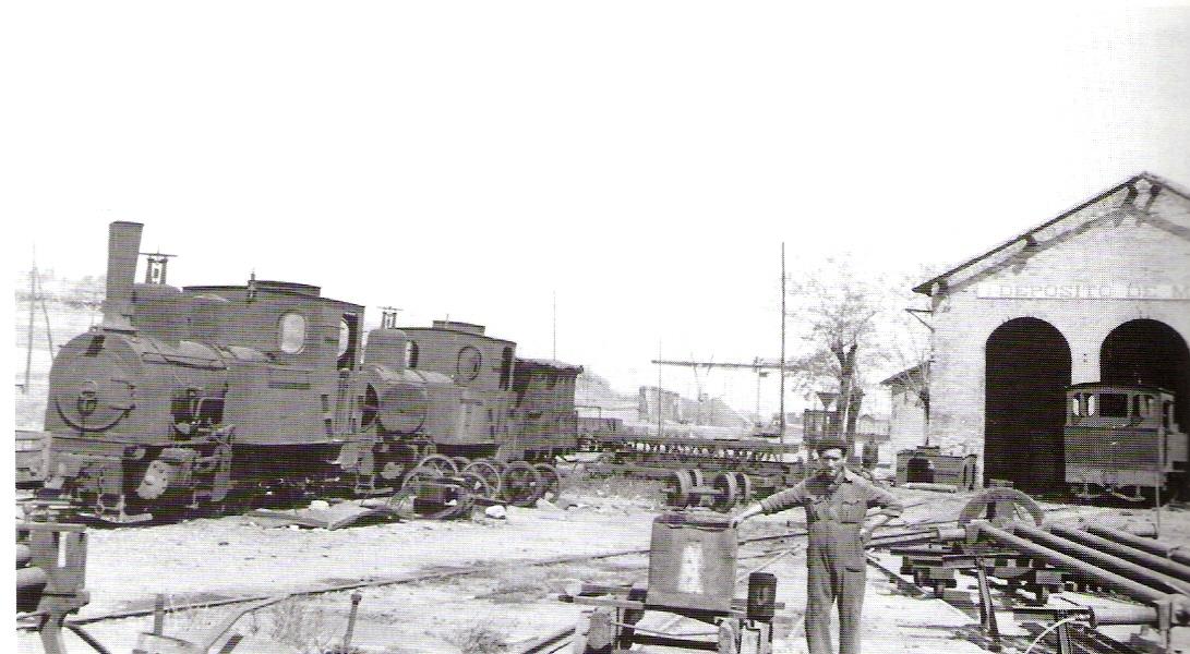 Deposito con las locomotoras 1,3 y 5 , foto: Trevor Rowe