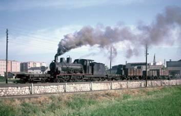 Locomotora serie 101 a 104 en Zaragoza ,