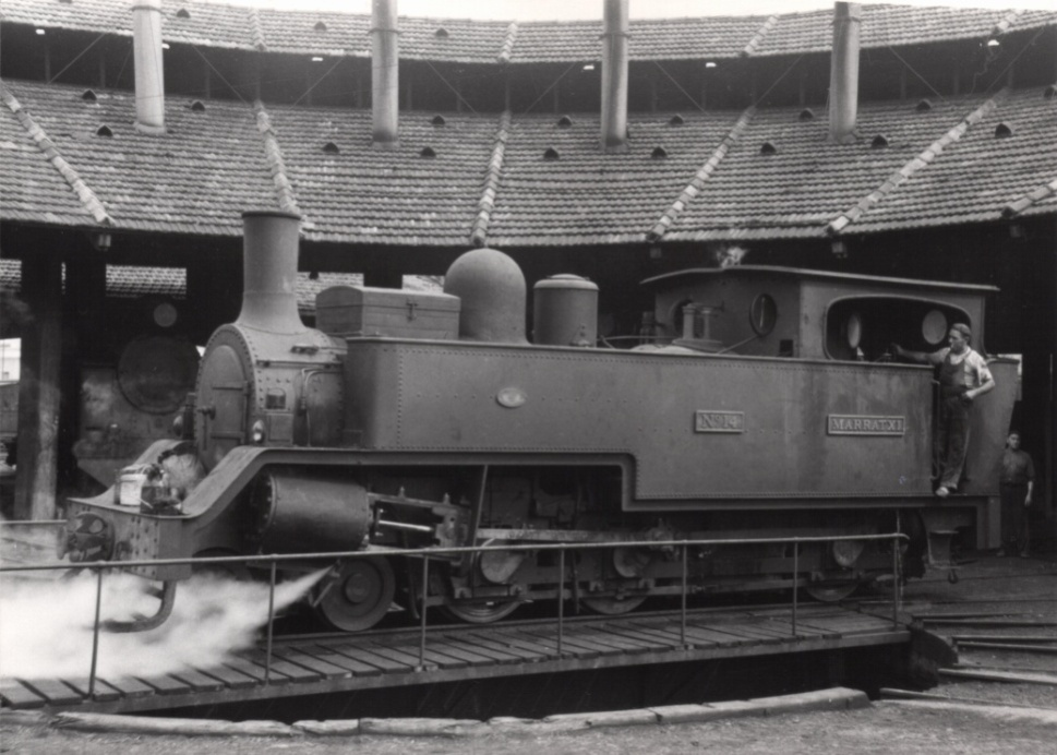 "Locomotora nº 14 ""Marratxi"" en la rotonda de Palma, año 1957,"
