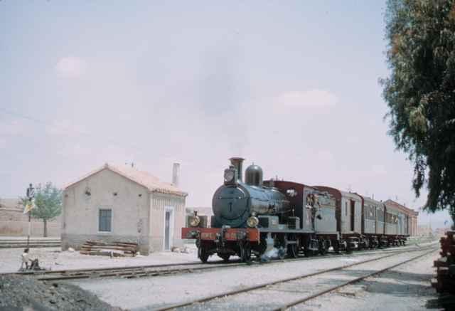 Almendricos, Salida de la estacion de un tren con la locomotora