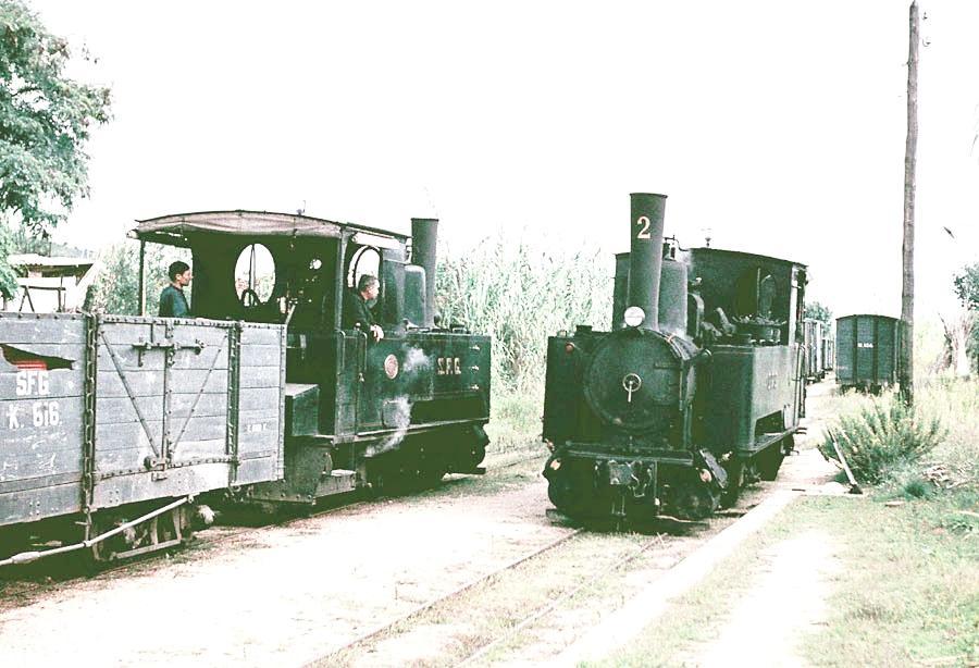 cruce de las locomotoras nºs 2 y 1,