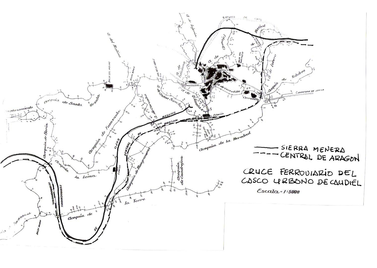 Plano de 1943, donde se observa el paralelismo entre el ferrocarril de Sierra menra con el trazado del Central de Aragón atravesando el casco urbano de Caudiel en Túnel