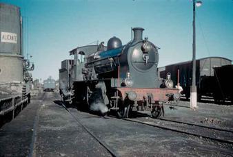 Benalua, locomotora 130-2086, septiembre 1961, foto Charles F.