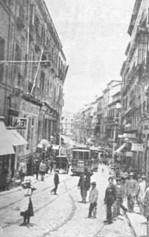 Tranvias en la calle Carretas, año 1919, Fondo : Guia Cousseau