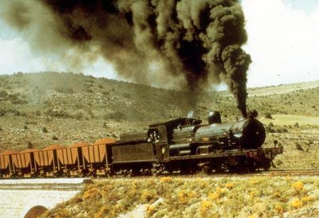 """Tren de mineral con la SM-2 """"Carlota"""" descentete a Sagunto, foto de"""