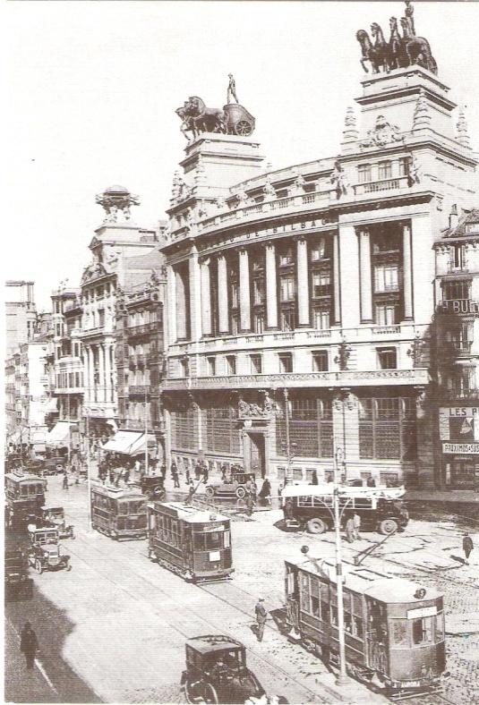 Tranvia en Madrid, en la calle Alcala confluencia con Gran Via,