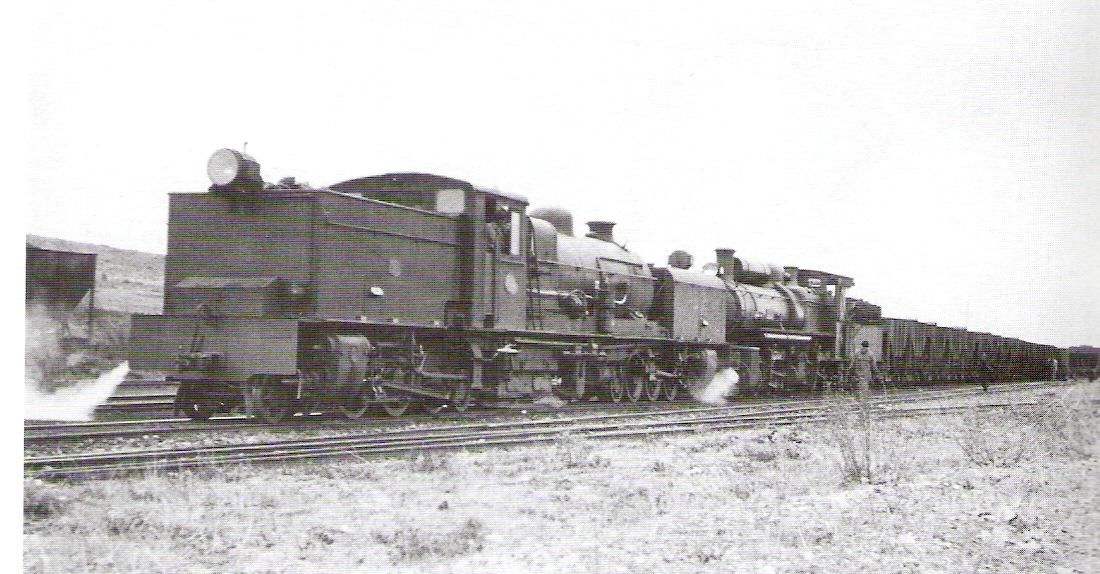 Puerto Escandón doble traccion de las 302 y 502, abril 1961, foto: