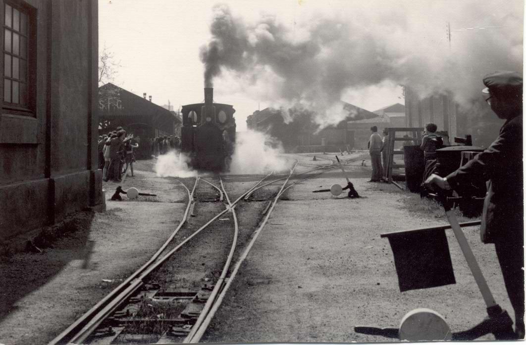 Salida del último tren de San Felliu de Guixols,