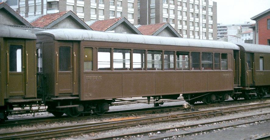 Ferrocarriles Económicos de Asturias - Coche Clase preferente A-14 Foto: Werner Hardmeier,Ruemlang,Suiza ©