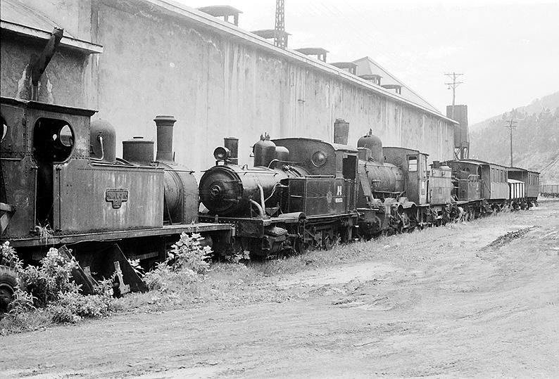 Locomotoras retiradas de servicio, foto: Makio Terada