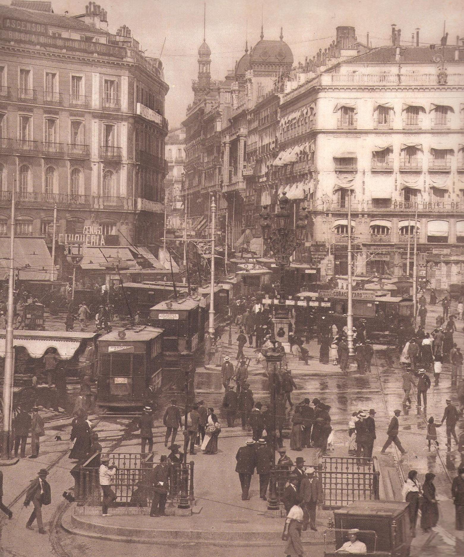 Panoramica de la Puerta del Sol, foto: La Esfera, año 1916