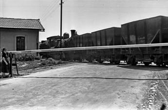 Paso a nivel de Jerica, año 1951, foto : Nicolás Sánchez