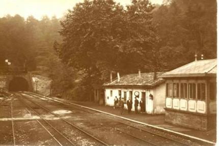 Estacion de Cegama, postal comercial, fondo: Muguel Diago Arcusa