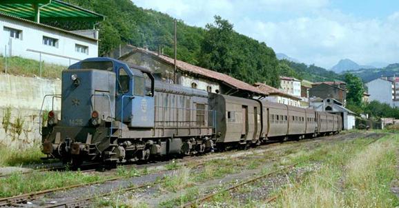 Unidad de tren Talgo en Pola de Laviana