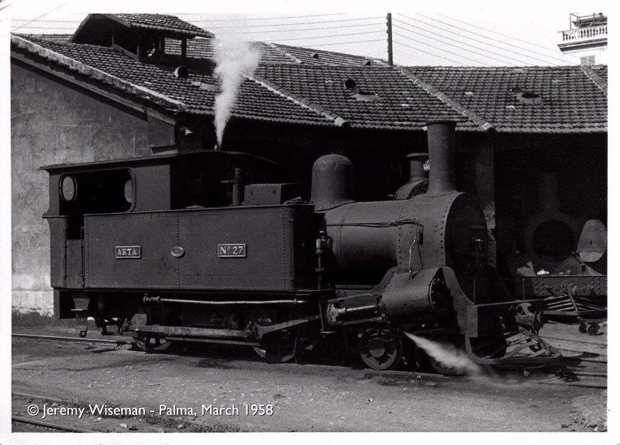 """Locomotora """"Arta"""" nº 27 en Palma , año 1958 , Foto: Jeremi Wiseman"""